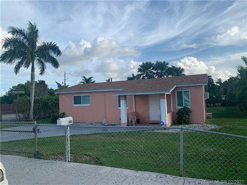 Photo of 11440 SW 220th St, Miami, FL 33170 (MLS # A10983908)