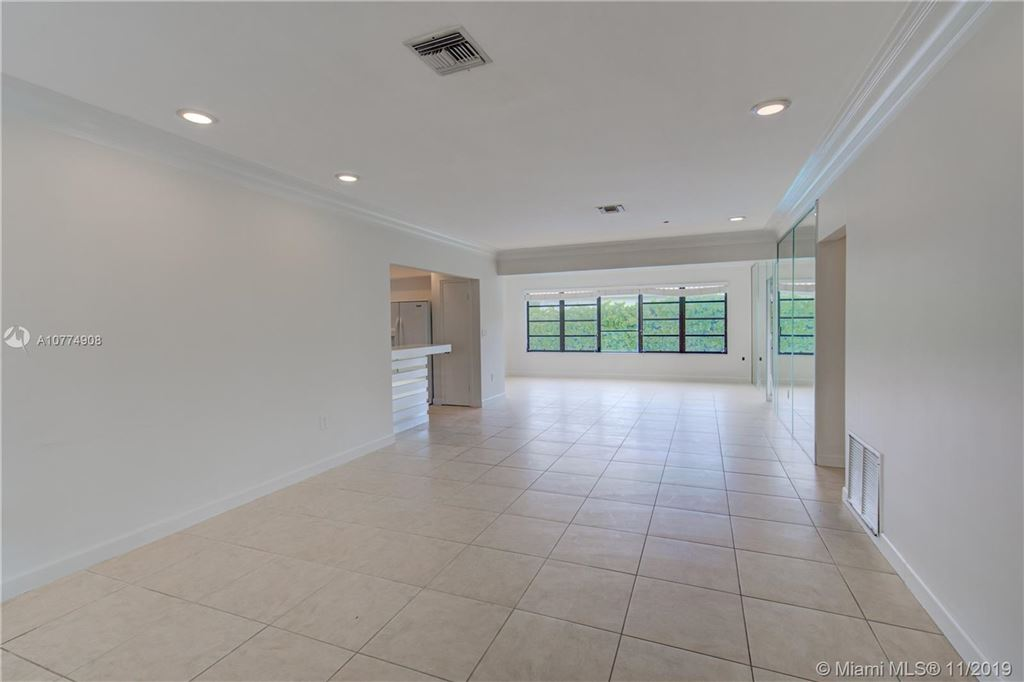 Photo of 1805 N Hibiscus Dr, North Miami, FL 33181 (MLS # A10774908)