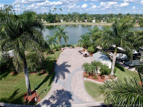 Photo of 3030 E RiverBend Resort Blvd, LABELLE, FL 33935 (MLS # A10401909)