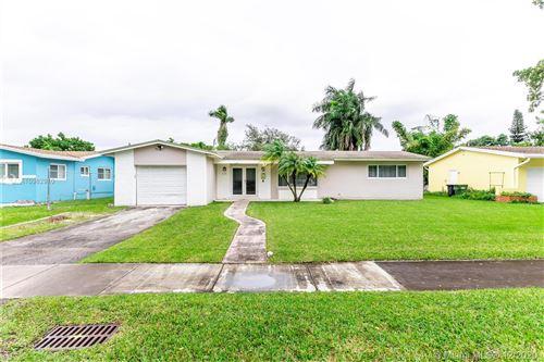 Photo of 475 NE 142nd St, North Miami, FL 33161 (MLS # A10962910)