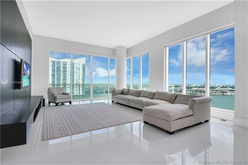 Foto de inmueble con direccion 900 Brickell Key Blvd #2403 Miami FL 33131 con MLS A10744913