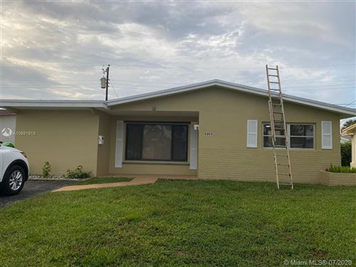Photo of Listing MLS a10891913 in 6869 NW 26th St Sunrise FL 33313