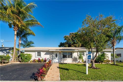 Photo of Listing MLS a10805915 in 1330 SW 10th Ter Deerfield Beach FL 33441