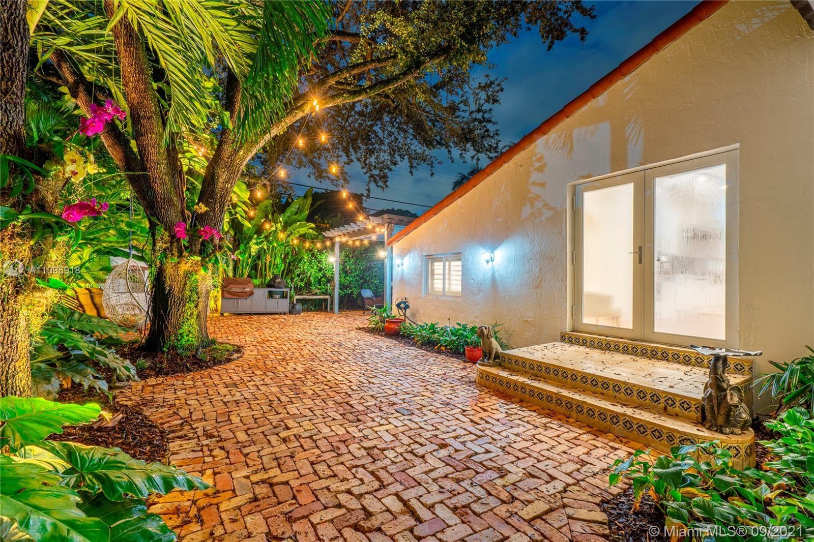 Photo of 1420 Granada Blvd, Coral Gables, FL 33134 (MLS # A11096918)