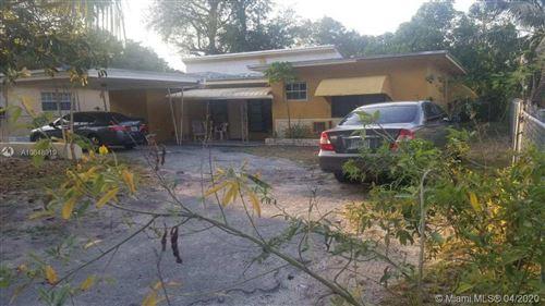 Foto de inmueble con direccion 511 NE 164th St Miami FL 33162 con MLS A10848919