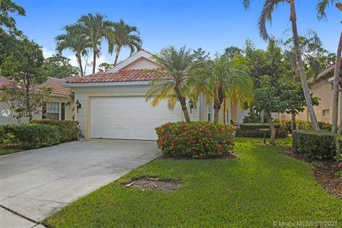 Photo of 4655 Hammock Cir, Delray Beach, FL 33445 (MLS # A11051919)