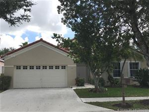 Photo of 316 Cameron Dr, Weston, FL 33326 (MLS # A10411920)