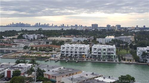 Foto de 7441 Wayne Ave #15E, Miami Beach, FL 33141 (MLS # A10082921)