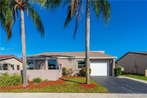 Photo of Listing MLS a10802921 in 16771 Royal Poinciana Dr Weston FL 33326