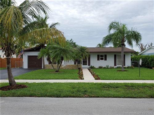 Photo of 9141 SW 181st Ter, Palmetto Bay, FL 33157 (MLS # A10944922)