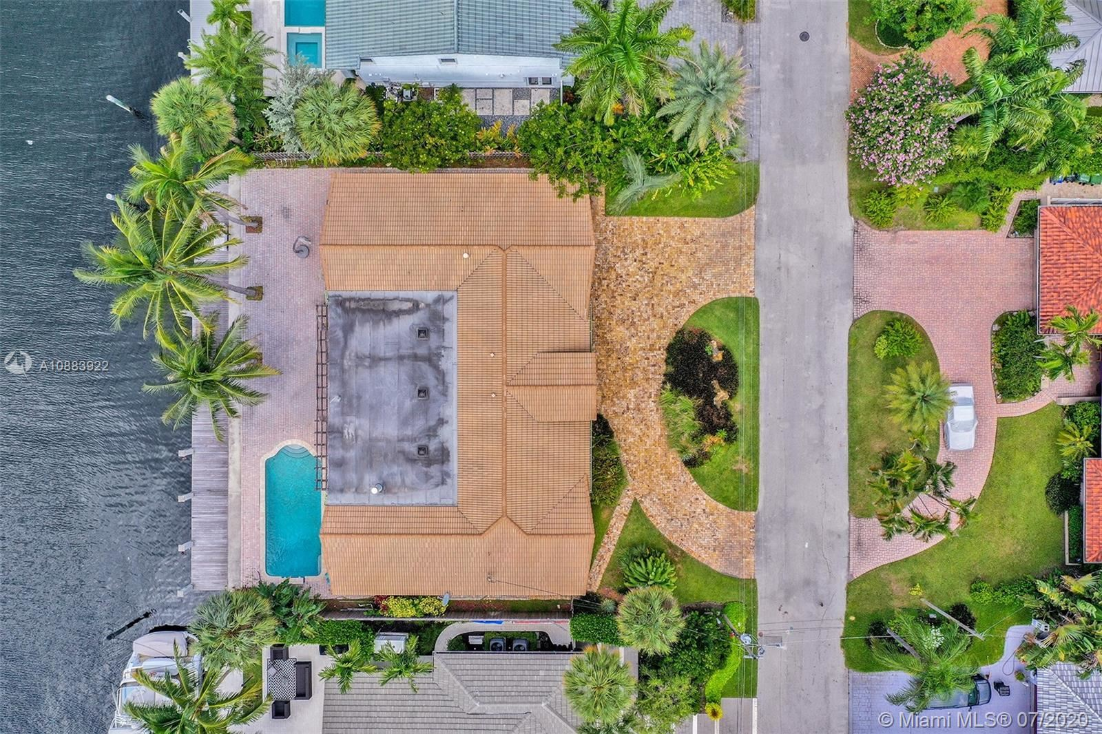 Photo of 2824 NE 25th Ct, Fort Lauderdale, FL 33305 (MLS # A10883922)