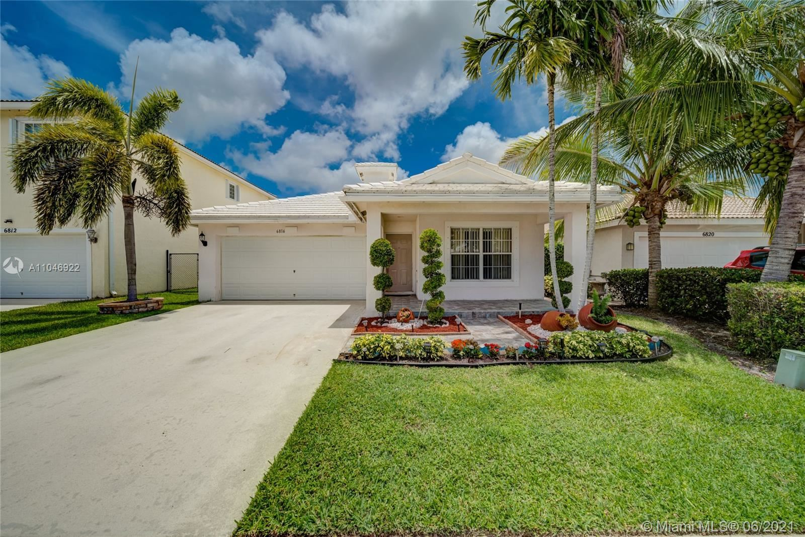 6816 Hendry Dr, Lake Worth, FL 33463 - #: A11046922