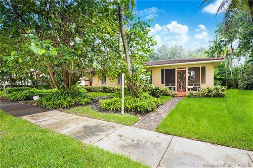 Photo of Listing MLS a10717923 in 229 NE 101st St Miami Shores FL 33138