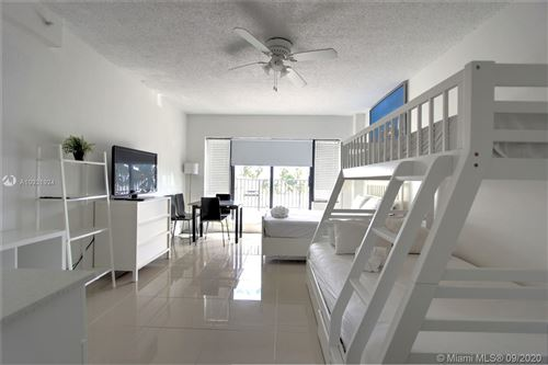 Foto de inmueble con direccion 6345 Collins Ave #403 Miami Beach FL 33141 con MLS A10921924