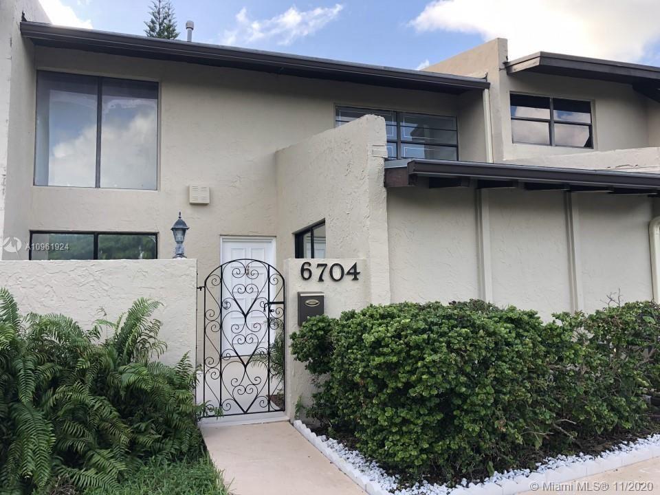 6704 SW 114th Ave #1, Miami, FL 33173 - #: A10961924