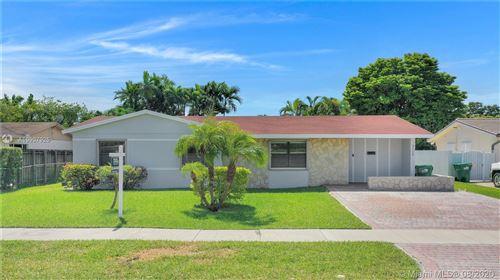 Photo of 3120 SW 118th Ct, Miami, FL 33175 (MLS # A10907925)