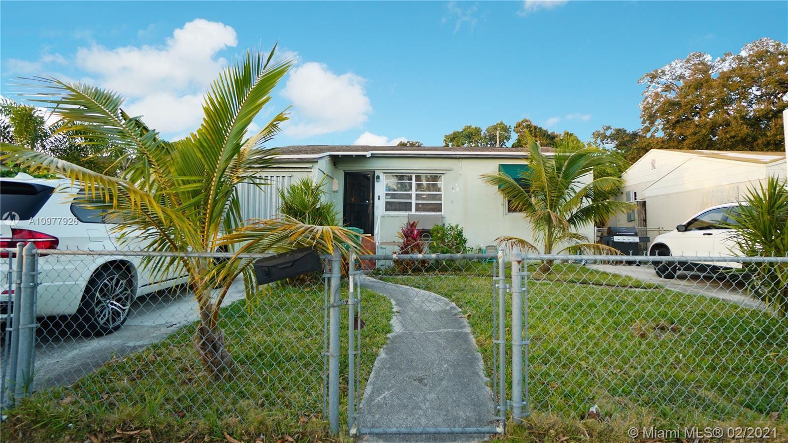 1071 NW 40th St, Miami, FL 33127 - #: A10977926