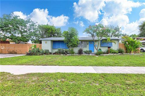 Photo of 331 NW 38th St, Deerfield Beach, FL 33064 (MLS # A10870927)
