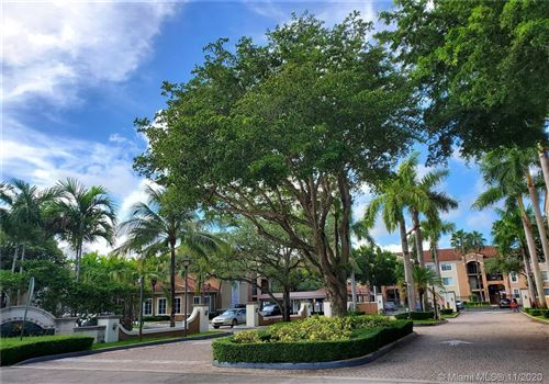 Foto de inmueble con direccion 6861 SW 44th St #203 Miami FL 33155 con MLS A10894927