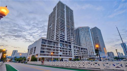 Foto de inmueble con direccion 555 NE 15th St #PH-C Miami FL 33132 con MLS A10903931