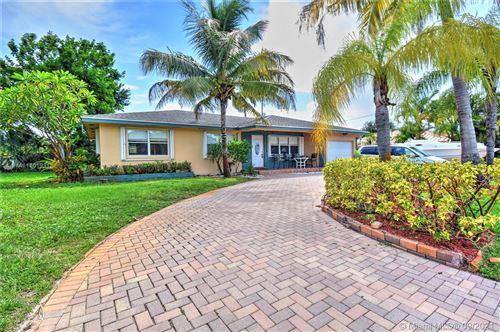Photo of 502 SW 27th Ave, Boynton Beach, FL 33435 (MLS # A11101931)