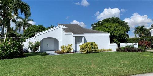 Photo of 15450 SW 155th Ave, Miami, FL 33187 (MLS # A11113931)