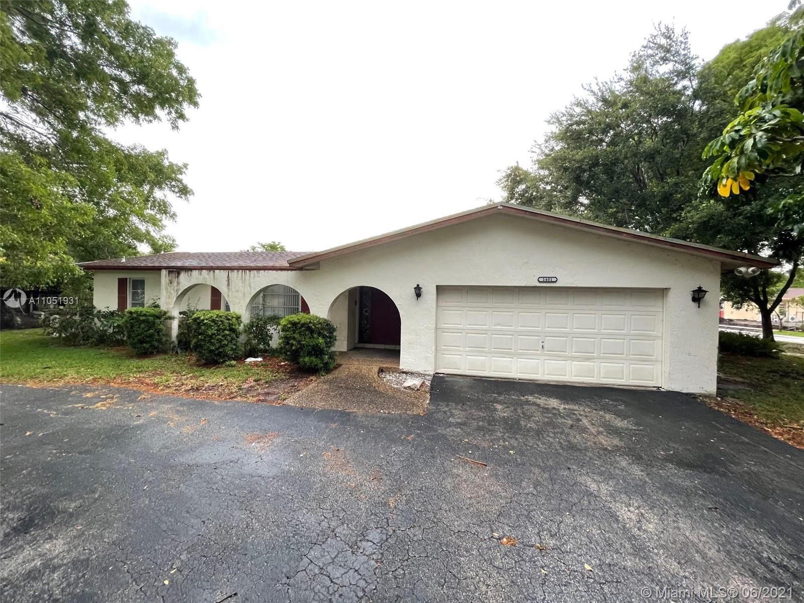 1401 SW 72nd Ave, Plantation, FL 33317 - #: A11051931