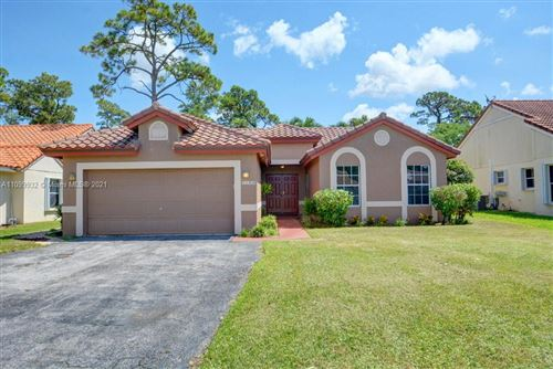 Photo of 1150 New Parkview Place #1150, Haverhill, FL 33417 (MLS # A11099932)