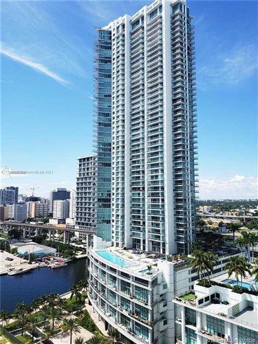 Photo of 92 SW 3rd St #2511, Miami, FL 33130 (MLS # A11108932)