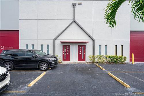 Foto de inmueble con direccion 2754 NW 112th Ave #2754 Doral FL 33172 con MLS A10895934