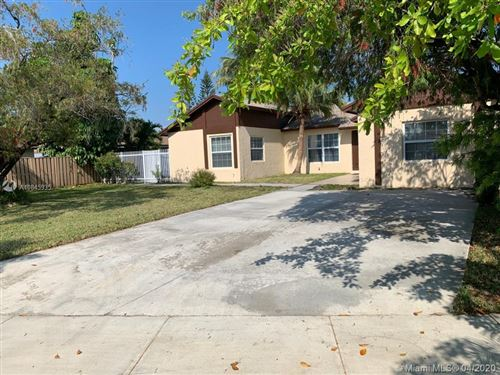 Photo of Listing MLS a10845935 in 15621 SW 142nd Ct Miami FL 33177