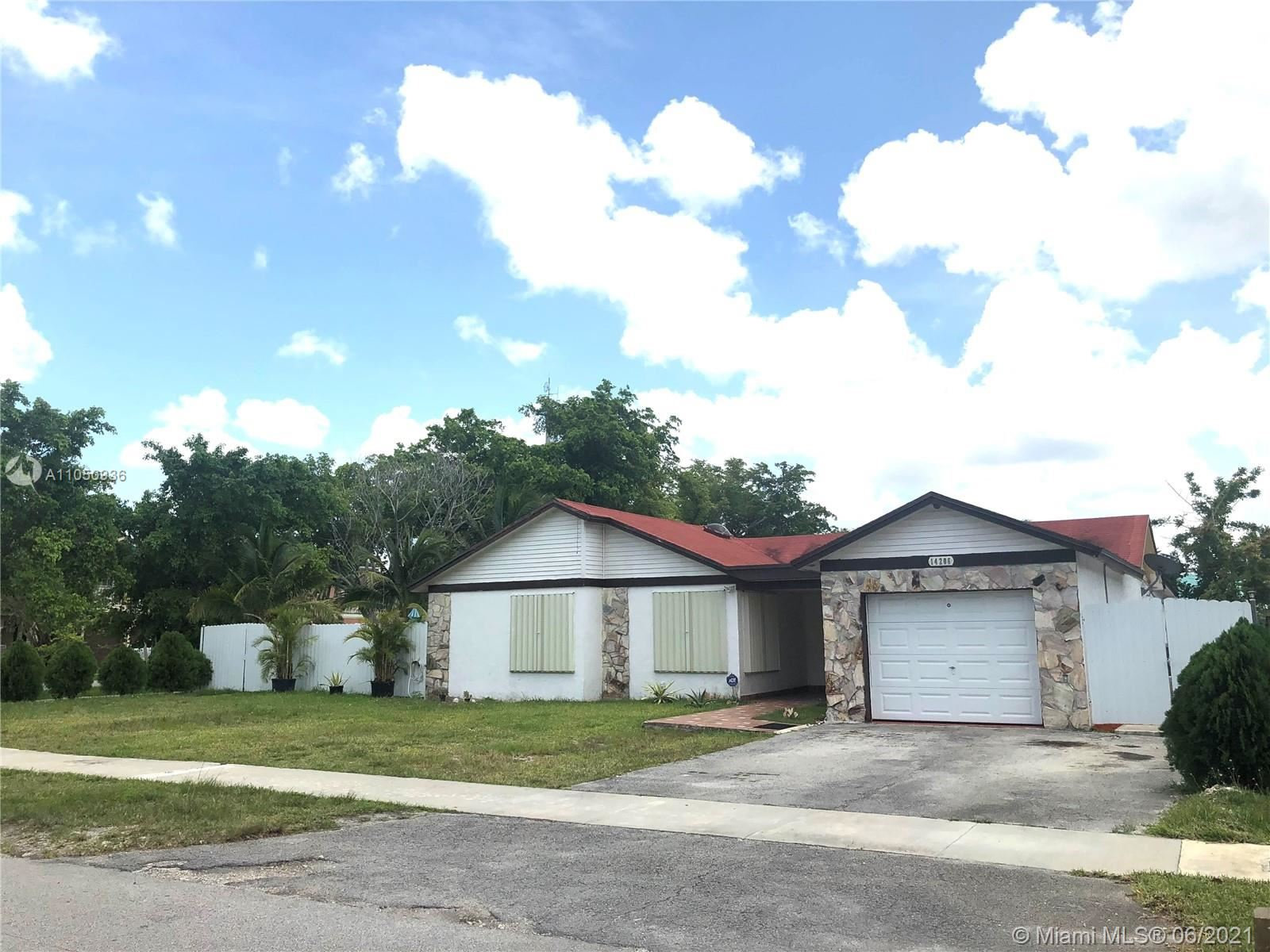 14206 SW 154th St, Miami, FL 33177 - #: A11050936