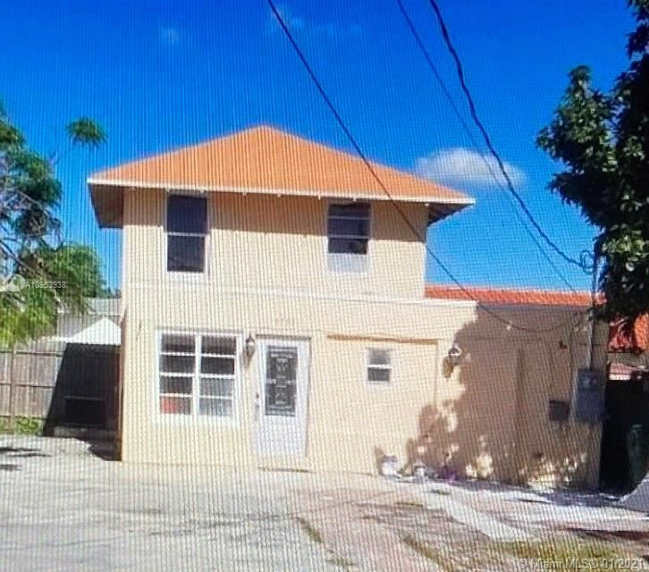1751 NW 1st St, Miami, FL 33125 - #: A10953938