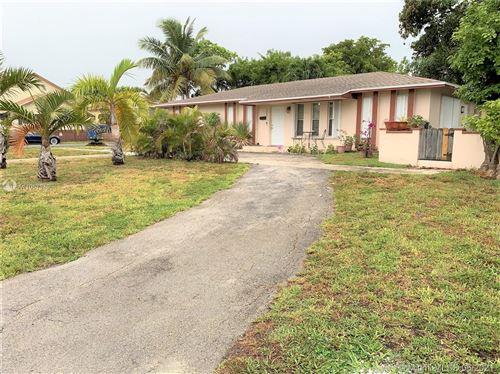 Photo of 1302 SE 2nd Ave, Dania Beach, FL 33004 (MLS # A11057940)