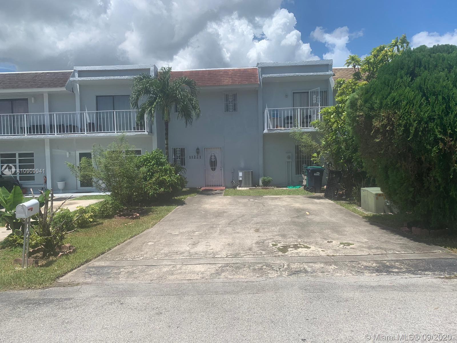 11221 SW 33rd Cir Pl, Miami, FL 33165 - #: A10909941