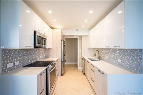 Photo of Listing MLS a10808942 in 20191 E Country Club Dr #1402 Aventura FL 33180