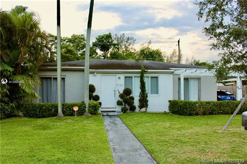 Photo of Listing MLS a10823942 in 5020 SW 69th Ave Miami FL 33155