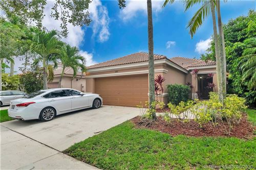 Photo of 680 Conservation Dr, Weston, FL 33327 (MLS # A10862944)