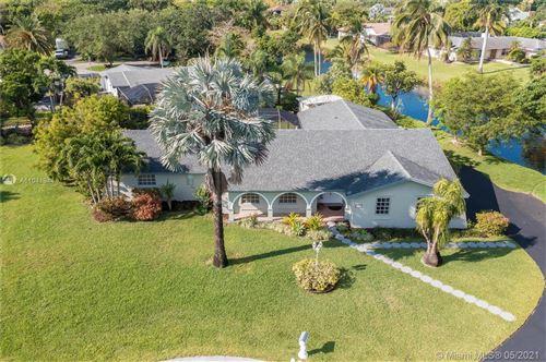 Photo of 7720 SW 168th Ter, Palmetto Bay, FL 33157 (MLS # A11041944)