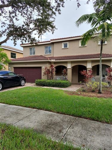 Photo of 927 NW 206th St, Miami Gardens, FL 33169 (MLS # A11116944)