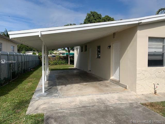 Photo of 9015 SW 36th St, Miami, FL 33165 (MLS # A10987944)