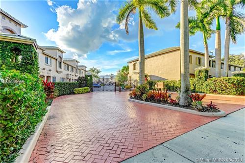 Photo of 15800 SW 92nd Ave #11B, Palmetto Bay, FL 33157 (MLS # A10864945)