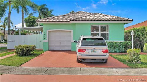 Photo of 16040 SW 68th St, Miami, FL 33193 (MLS # A10932945)