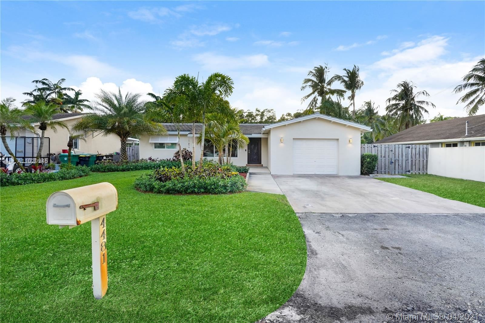Photo of 4481 SW 38th Ter, Dania Beach, FL 33312 (MLS # A11029945)