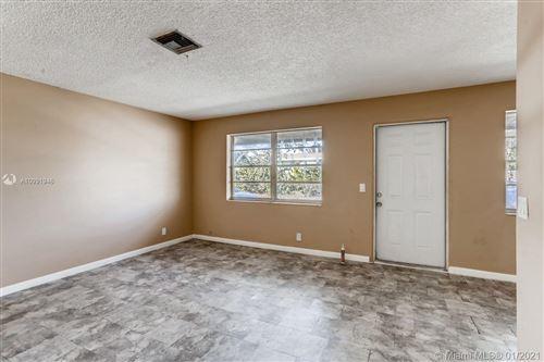 Photo of 902 S F St, Lake Worth, FL 33460 (MLS # A10991946)