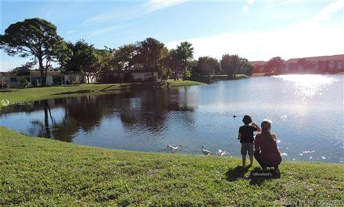 Foto de inmueble con direccion 423 SW Natura Ave #D Deerfield Beach FL 33441 con MLS A10857947