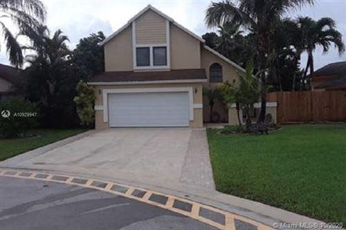 Photo of 5580 SW 98th Way, Cooper City, FL 33328 (MLS # A10929947)