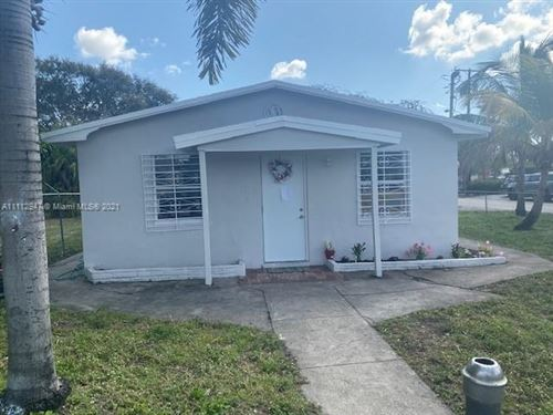 Photo of 10 NW 28th Way, Fort Lauderdale, FL 33311 (MLS # A11112947)