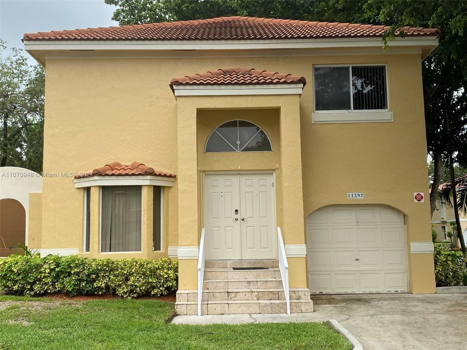 11297 Lakeview Dr, Coral Springs, FL 33071 - #: A11070948
