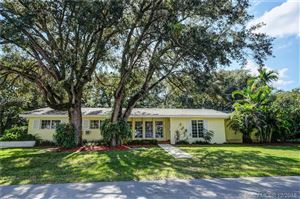 Photo of 5890 SW 100th St, Pinecrest, FL 33156 (MLS # A10579949)
